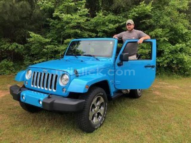 Jeep Sahara 2017 Chief Blue, perfect condition, both tops, 19,788 miles - Little Rock AFB - 1