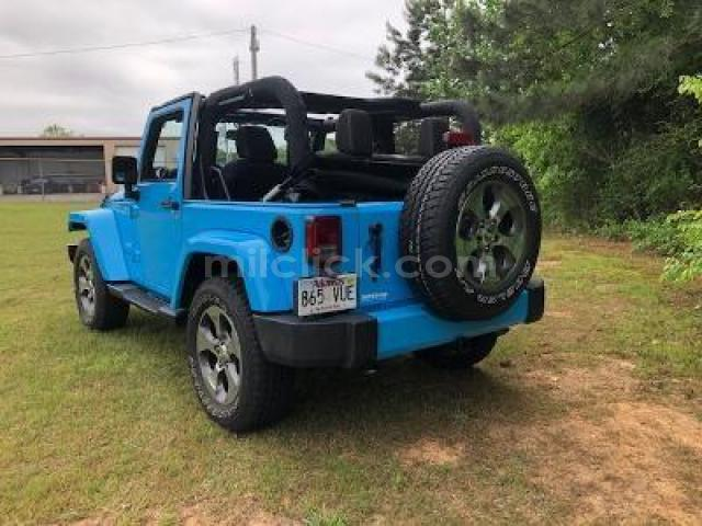 Jeep Sahara 2017 Chief Blue, perfect condition, both tops, 19,788 miles - Little Rock AFB - 3