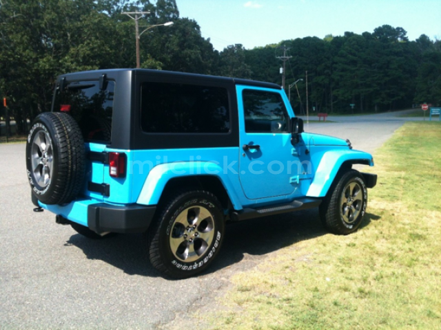 Jeep Sahara 2017 Chief Blue, perfect condition, both tops, 19,788 miles - Little Rock AFB - 5
