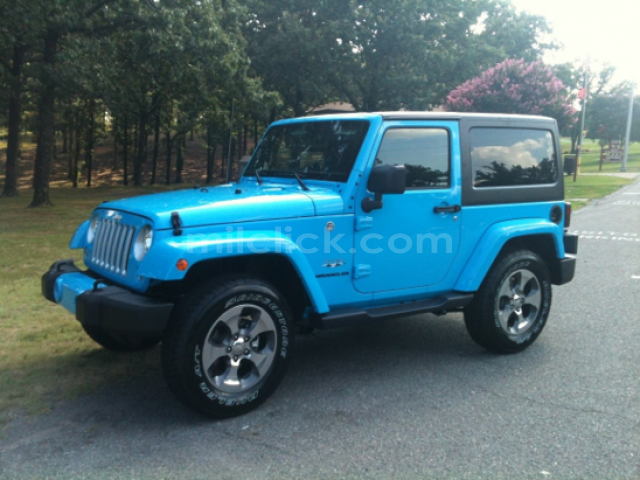 Jeep Sahara 2017 Chief Blue, perfect condition, both tops, 19,788 miles - Little Rock AFB - 6