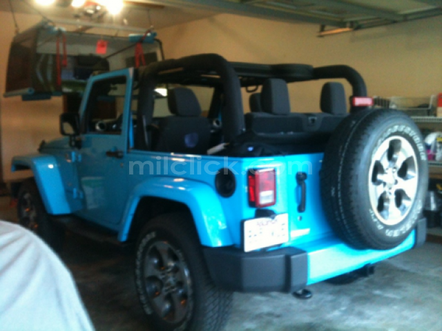 Jeep Sahara 2017 Chief Blue, perfect condition, both tops, 19,788 miles - Little Rock AFB - 7