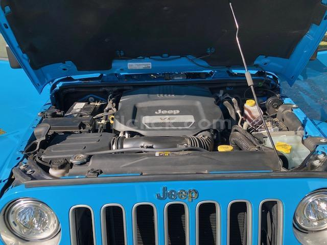 Jeep Sahara 2017 Chief Blue, perfect condition, both tops, 19,788 miles - Little Rock AFB - 8
